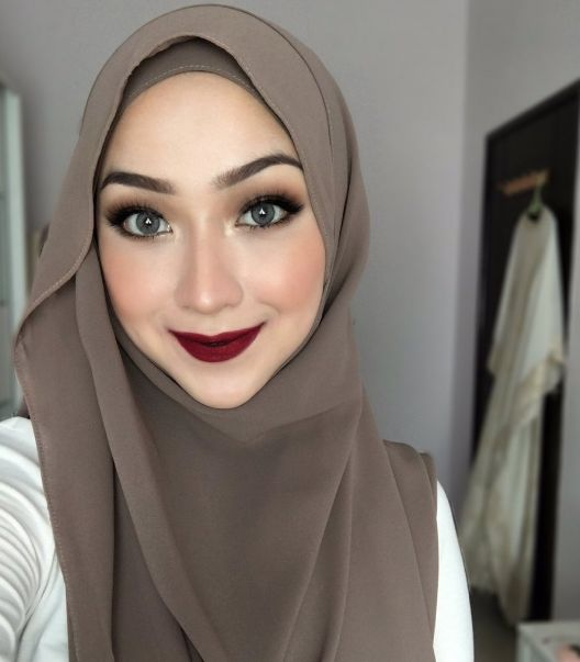 The hijabis are slaying everyone...with their make-up tutorials.