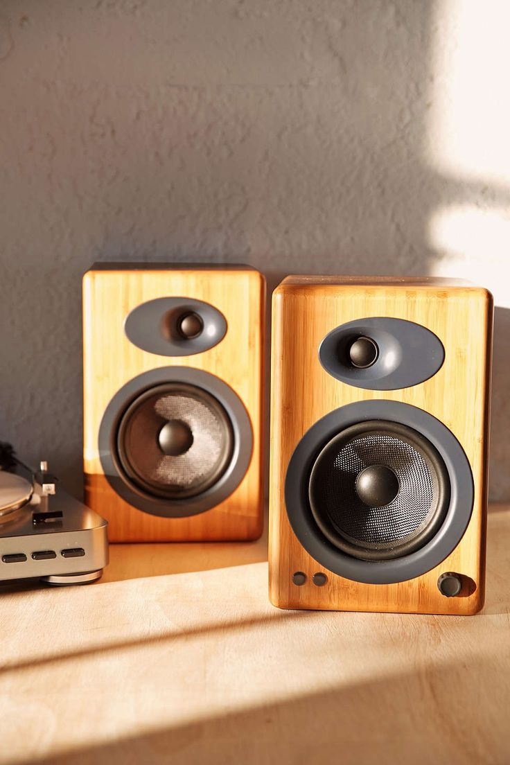 A2 premium powered desktop speakers youtube - Audioengine A5 Premium Powered Speakers