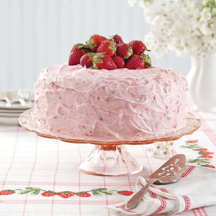 Indulge in a slice of the past with this classic, and oh so yummy, strawberry cake.