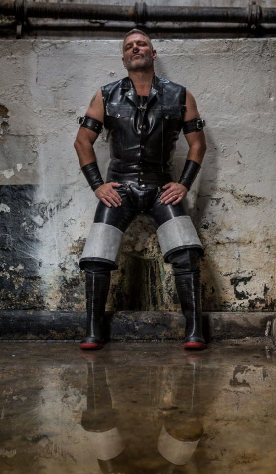 Pin By Glovd Cop On Men In Rubber GC Pinterest