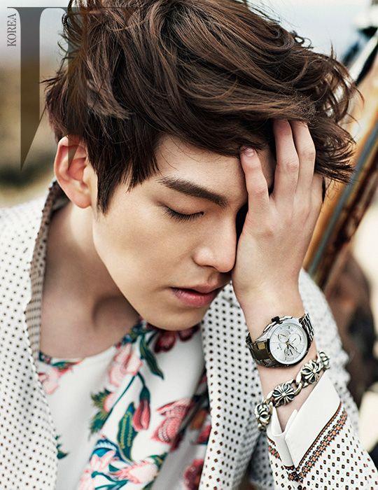 2014.03, W, Kim Woo Bin                                                                                                                                                                                 Mais
