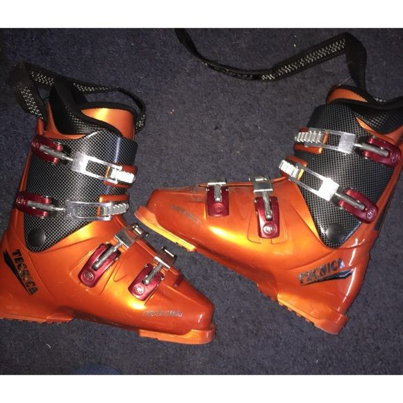 Tecnica ski boots Worn a few seasons. Scratched on the outside but the inside is perfect. Size 8.5 Other