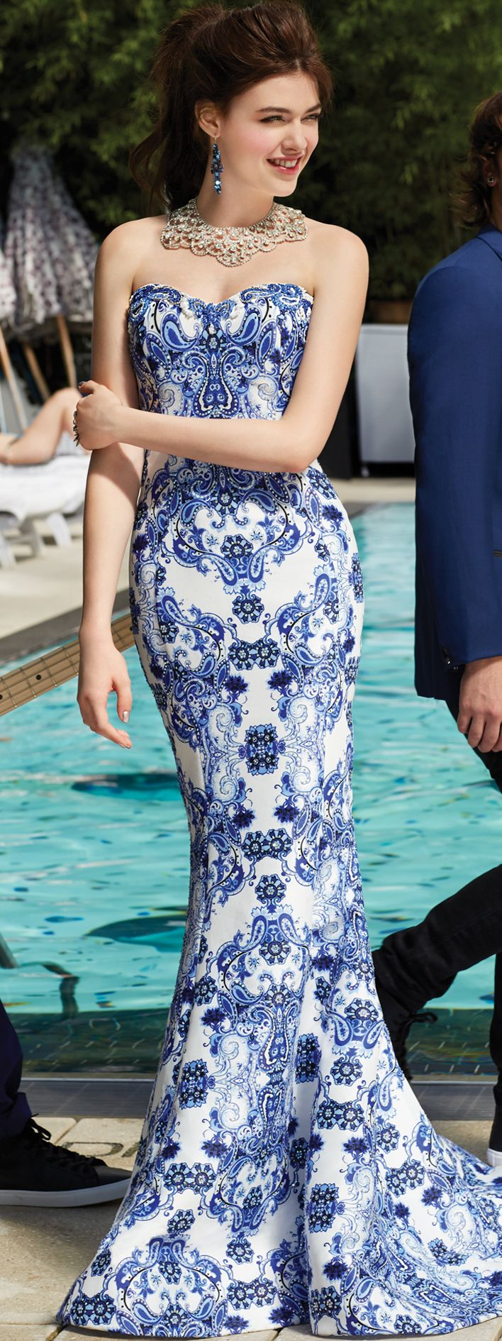 Prom 2017 is all about prints! Go bold in a blue and white paisley-printed prom dress from Camille La Vie.
