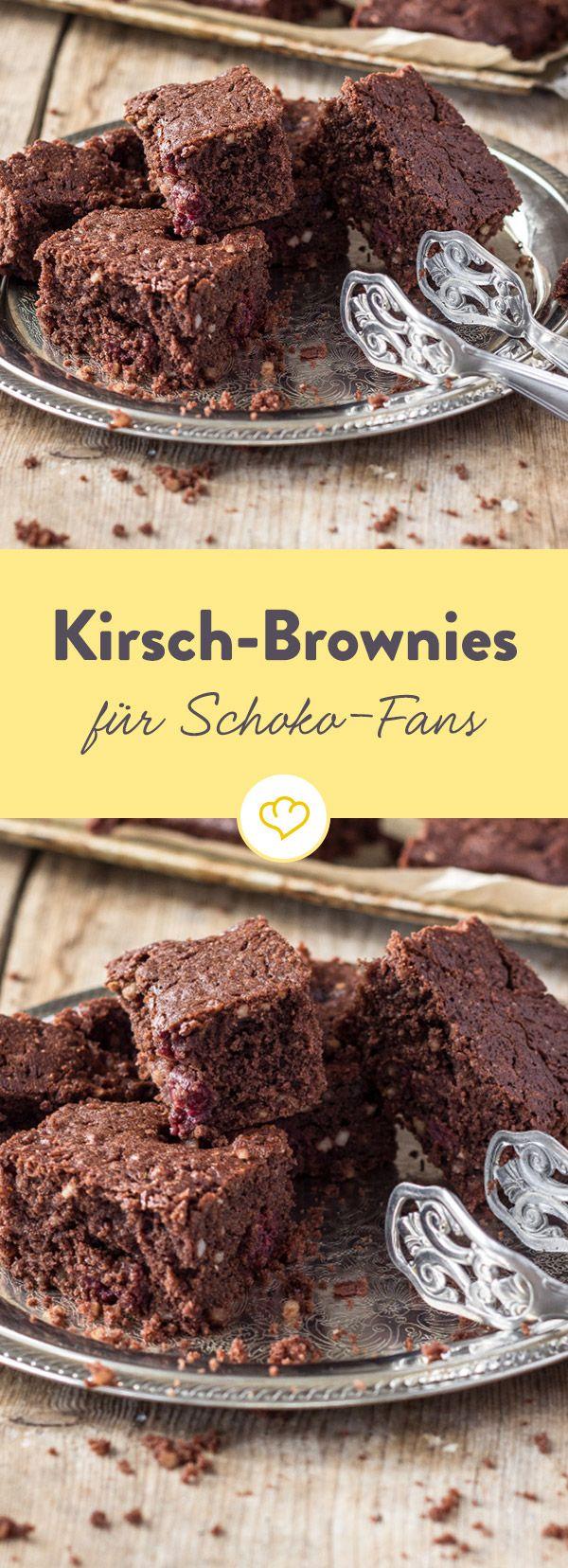 Klein, aber oho. Diese Brownies sind ein Muss für Schokoladen-Fans und Liebhaber der kleinen amerikanischen Kuchen.