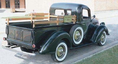 """HowStuffWorks """"1939 Ford Trucks"""""""