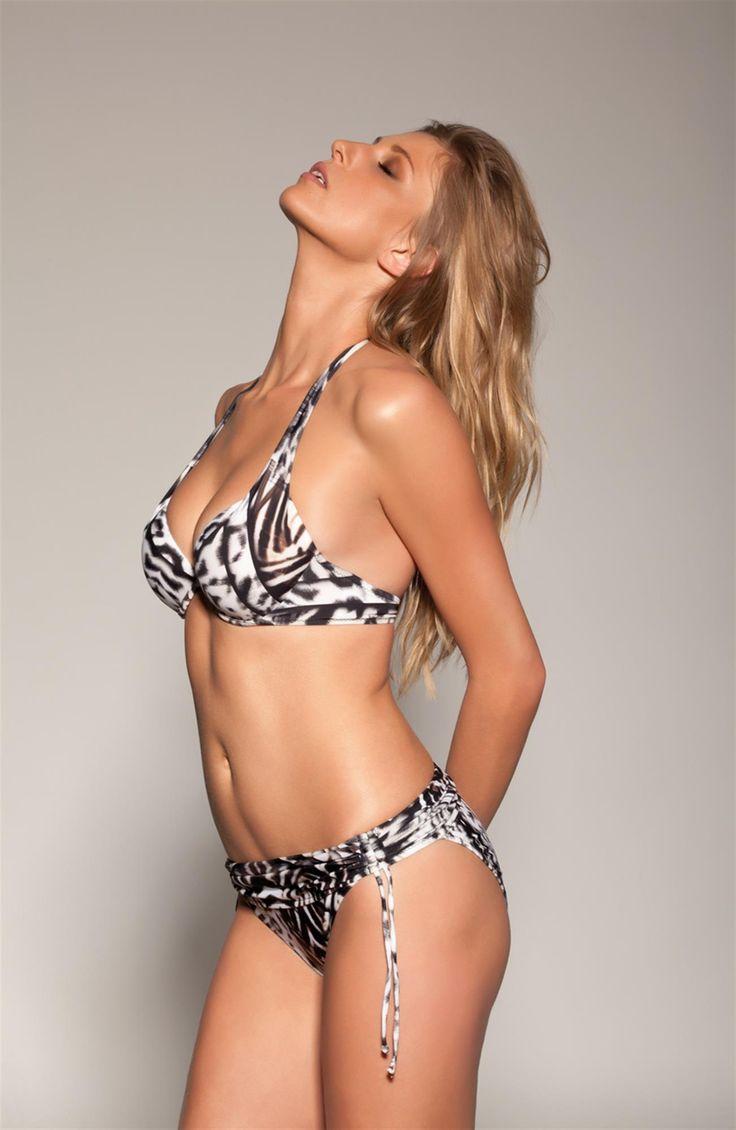 Je Suis bikini Lori