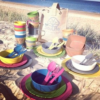 ピクニックセットなら、仲間とワイワイ楽しむキャンプやバーベキューにぴったり。