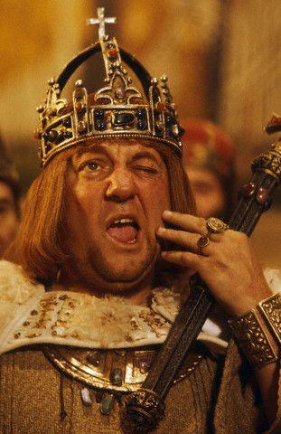 """Résultat de recherche d'images pour """"roi fainéant coluche"""""""