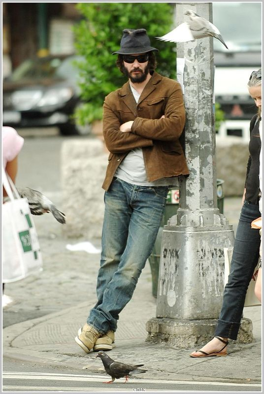 WHY DO WE LOVE KEANU? Because even birds will pause, mid-flight, to catch a glimpse of him on the street. (chicfoo) keanu