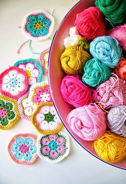 silly old suitcase ~ crochet hexies