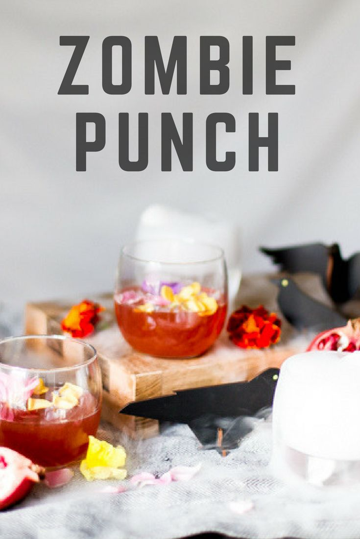 This party-ready big batch cocktail is the perfect drink to serve at your Halloween Party | the INSPIRED home