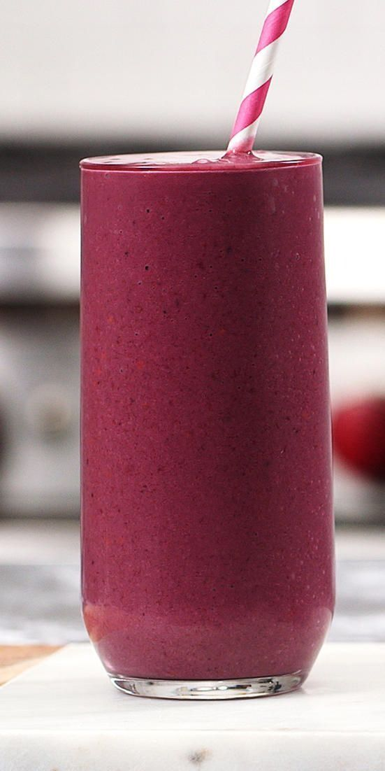 This High-Fiber Blackberry-Banana Smoothie Is Packed With Antioxidants