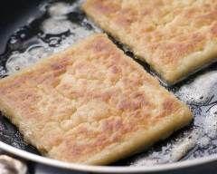 Potatos farls (galettes irlandaises à la pomme de terre) : http://www.cuisineaz.com/recettes/potatos-farls-galettes-irlandaises-a-la-pomme-de-terre-78489.aspx