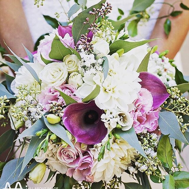 Thanks @allaboutimagephotographyperth for this great photo of Mandy's wedding bouquet from the weekend. A little bit of everything in this bouquet, #dahlias #callalilies #bouvardia #roses #lisianthus #gypsophila #freesias #eucalyptus and #jasminefoliage   #angelflowers #flowers #weddingday #weddingstyle #weddingflowers #weddingideas #perthwedding #flowers #bouquet #bride #freshflowers