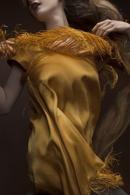 Torn between fashion and photo. Love the collar...love the movement! Royal Extreme by Una Hlin Kristjansdottir