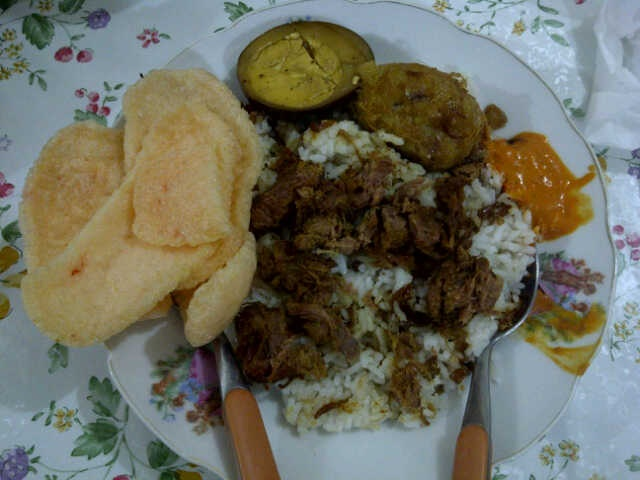 Nasi Uduk Yoyo || uploaded by Lant.pc