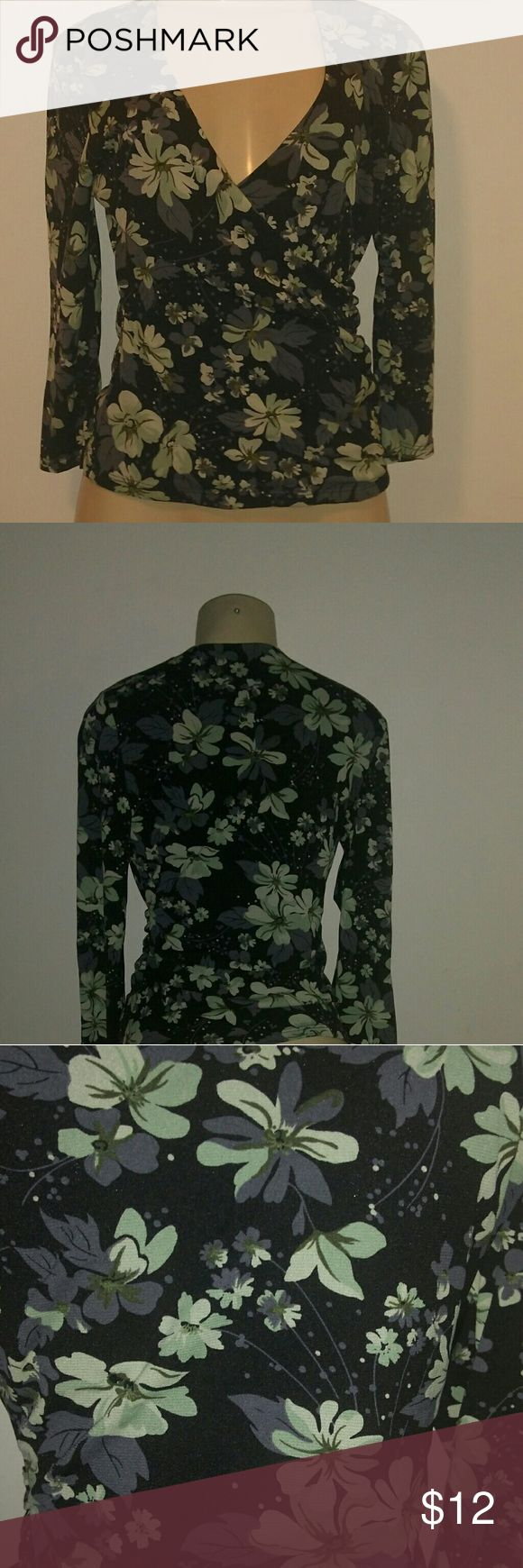 M Geoffrey Beene shirt blouse Great condition. Has some stretch. Geoffrey Beene Tops Blouses