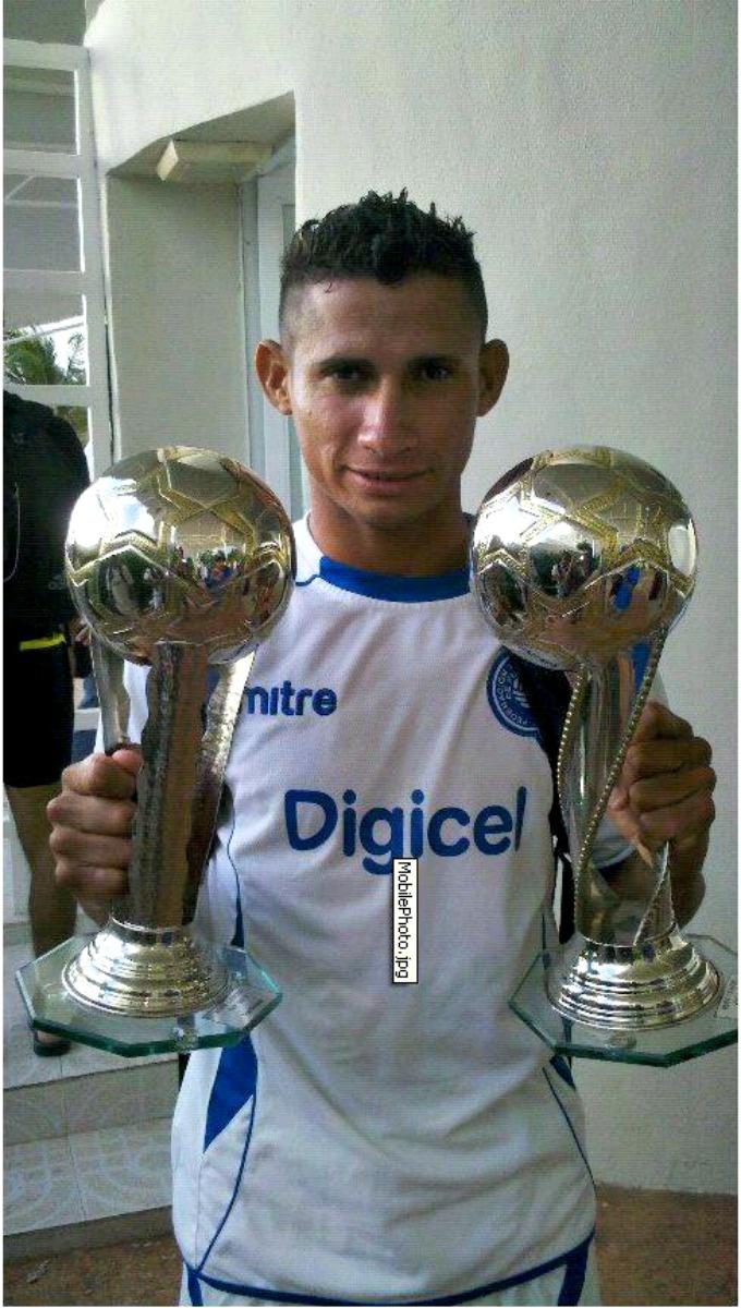 Agustin Ruiz, heroe de la Selecta Playera Salvadoreña!