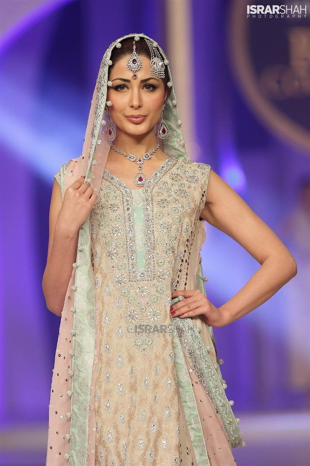 Sana Abbas Latest Bridal Collection At Bridal Couture Week 2013 (1)