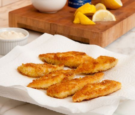 If you're wondering how to get your children to eat — or even love — fish, try feeding them this. They'll think it's kid-friendly food for them, but I promise you it's anything but. These tilapia fillets are lightly coated with panko, pan fried to crispy perfection, and served with a tangy garlic and lemon mayonnaise. As …