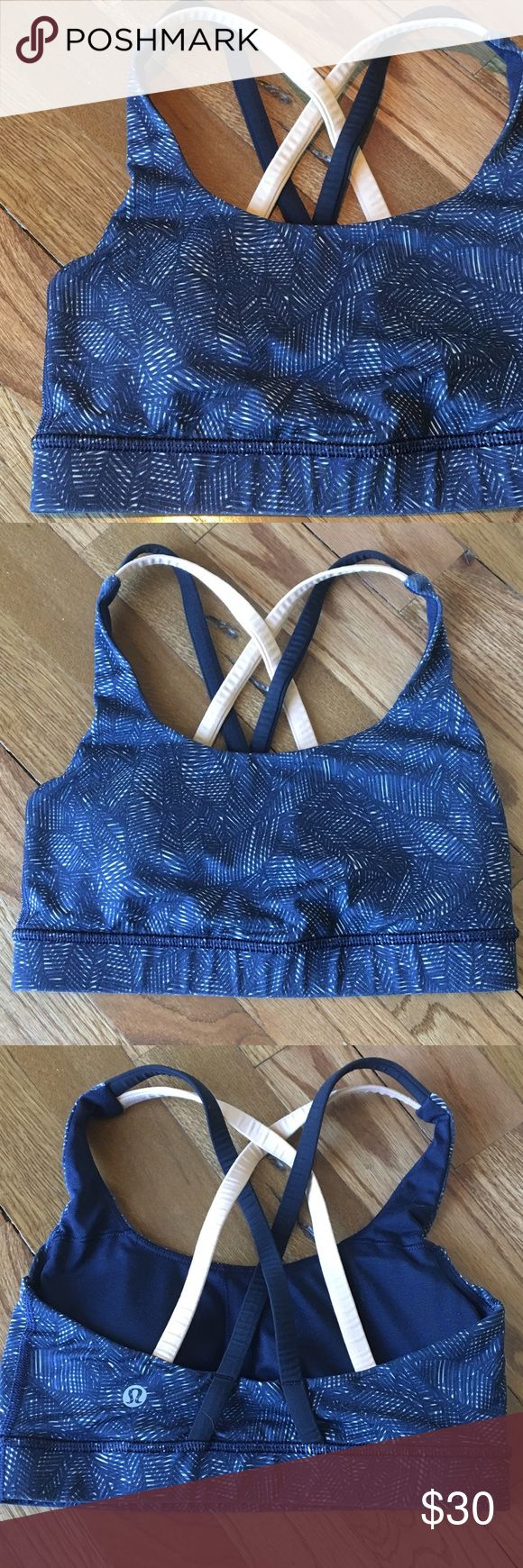 Lululemon sports bra Black and cream sports bra in excellent condition. No signs of wear. lululemon athletica Intimates & Sleepwear Bras