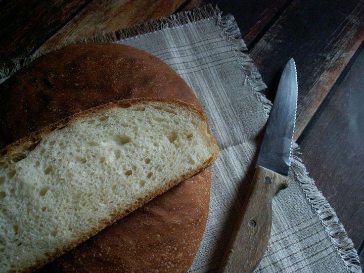 Chleb biały upieczony w ramach sierpniowej piekarni / easy white bread
