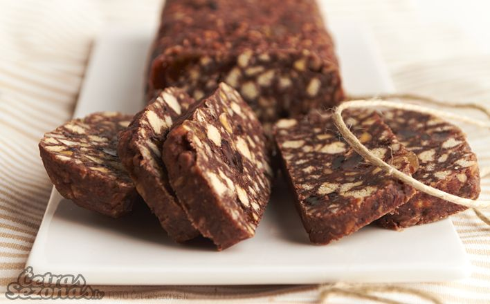 Saldā desa, klasisks Latviešu saldumus! This is called sweet sausage, it is a classic no bake treat to satisfy any sweet tooth!! The page is in Latvian but if you want a translated recipient just let me know! This stuff is so so so awesome.