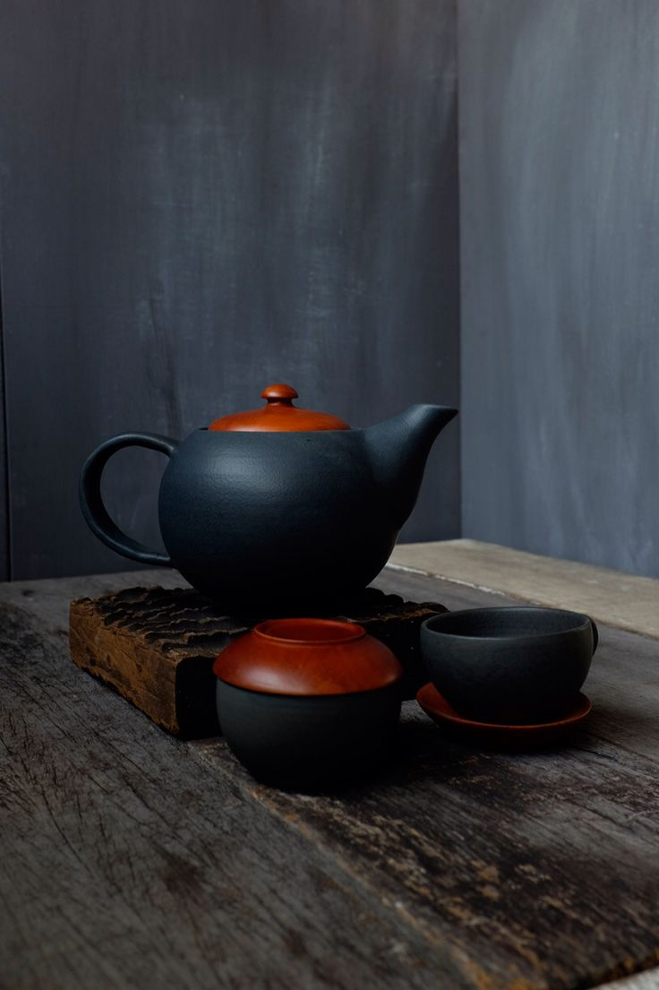 Handmade Black Ash ceramic teapot set with 2 exotic cups (Mahogany teapot cover and saucer)