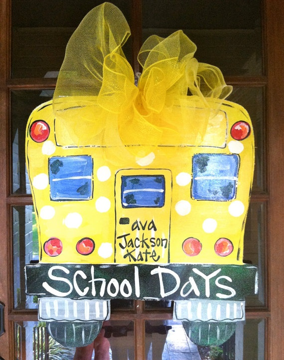 We need this for next year!!!: Burlap Doors Hangers Schools, Schools Day, Crafts Ideas, Back To Schools, Burlap Doors Hangers Ideas, Doors Decor, Hanahan Originals, Doors Hangers For Teacher, Schools Buses