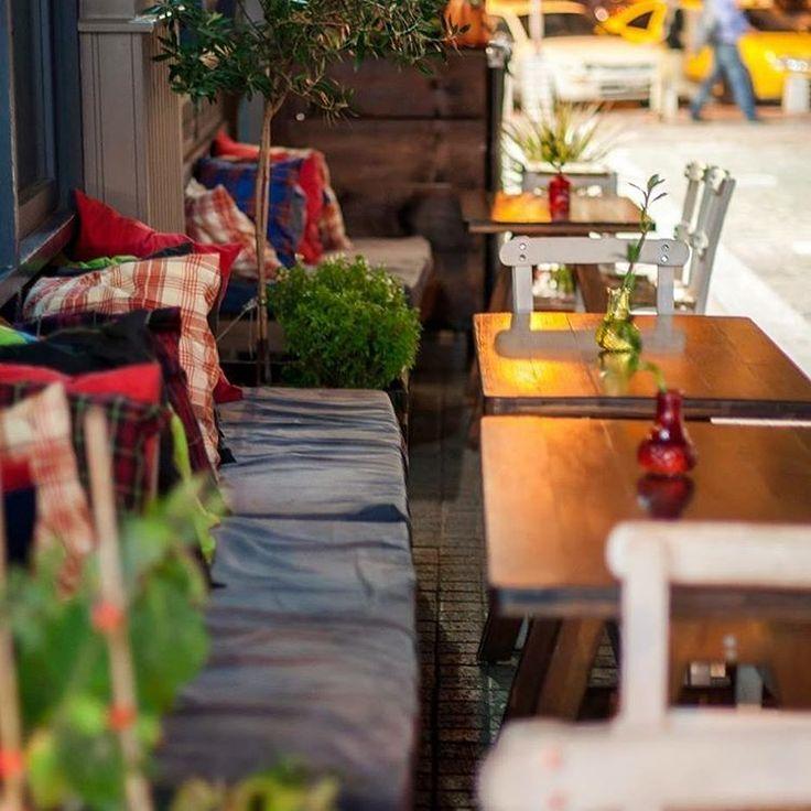 #skg #roots #vegetarian #vegan #place #athonos #squarerestaurant