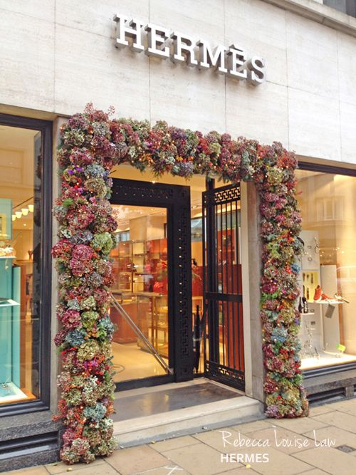 Floral artist Rebecca Louise Law...news about her upcoming exhibition & images of her latest work | Flowerona