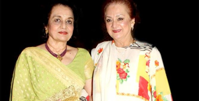 Asha Parekh turns 72 over quiet dinner with Saira Banu