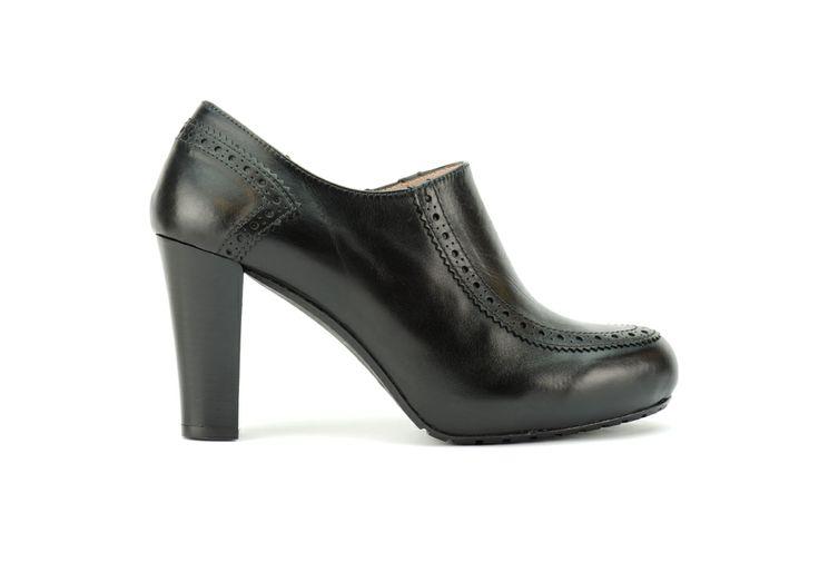 Sophia antes 199€ ahora 150€. Modelo salón con un diseño chic y elegante. Zapato con puntera redondeada y tacón de 7,5cm. #Sales #Rebajas #Lottusse #FW1314 #Zapato