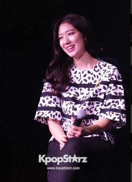 Park Shin Hye at the Drama Fever Awards 2014