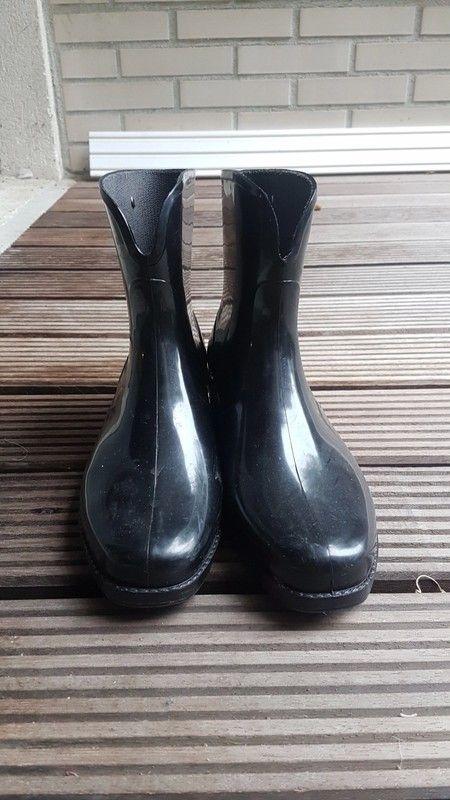 acac73cafa625c Bottes de pluie. - Bottes de pluie en caoutchouc noires. Taille 38. Féminine