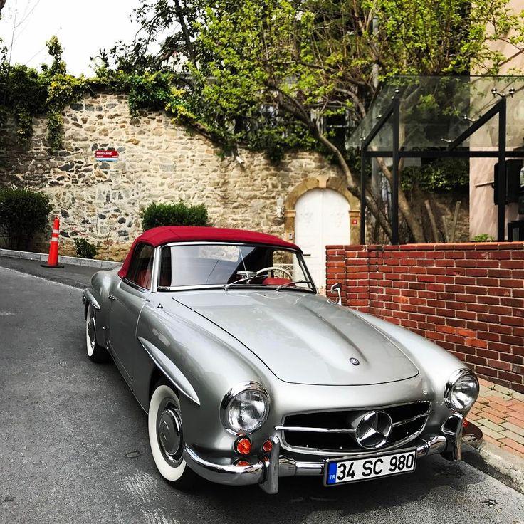 Mercedes Benz #190SL. Pic via instagram / #190SLRestorations #BruceAdams190SL