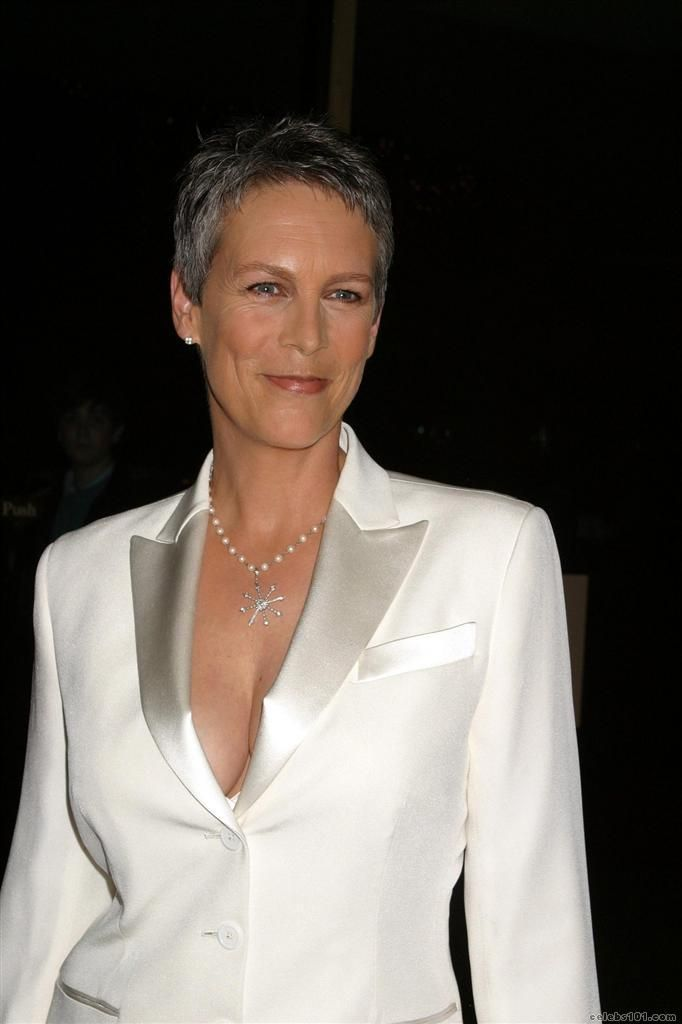 Jamie Lee Curtis and Le Suit and her marvelous tits! Go girl!