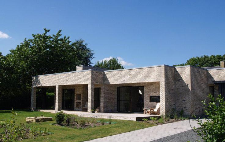 Funkisvilla i gule bl dstr gne mursten hus pinterest for Funkis house