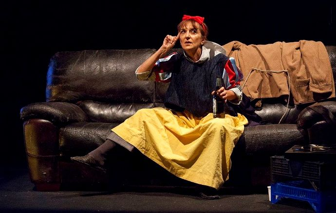 Giacca come pantaloni (Jacke wie Hose) (di Manfred Karge - Regia: Fabrizio Arcuri - Con Angela Malfitano - photo © Claudia Pajewski)