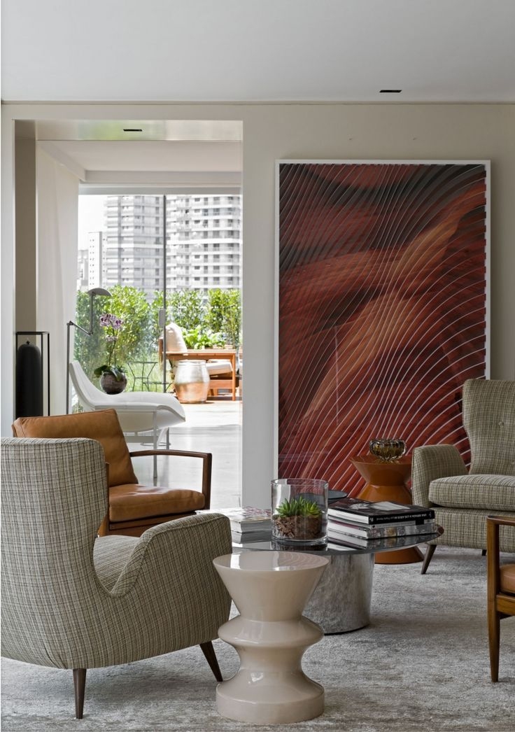Living Room - Seating area with art (re-pinned photo - Roberto Migotto)