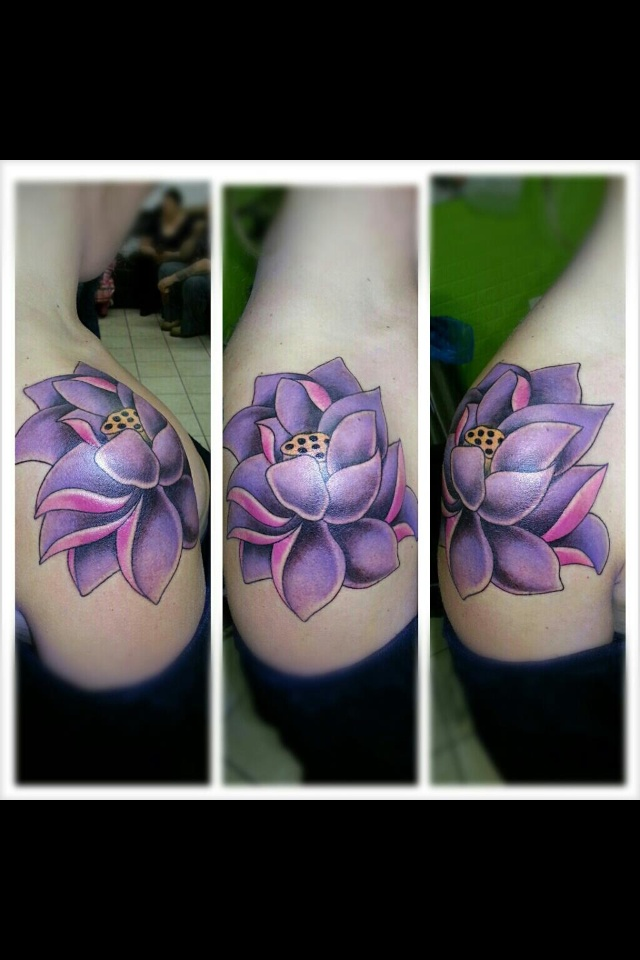 Shoulder lotus tattoo | Tattoo | Pinterest