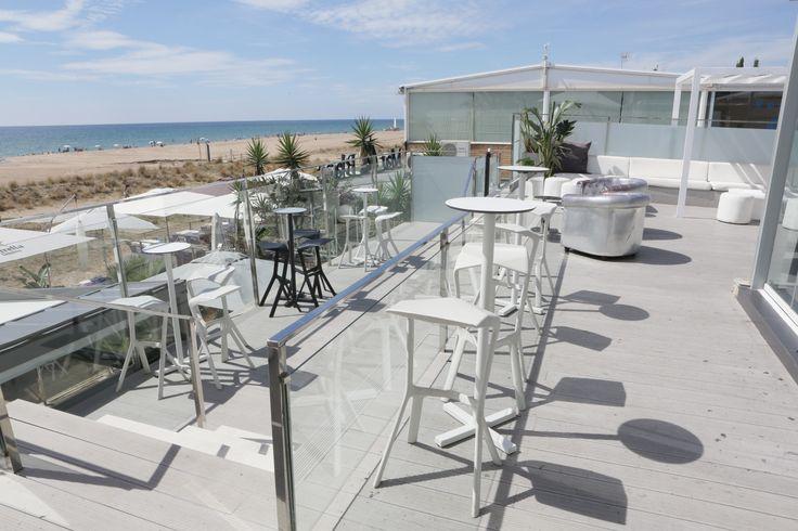 Terraza superior Restaurante Tibu-ron Beach Castelldefels