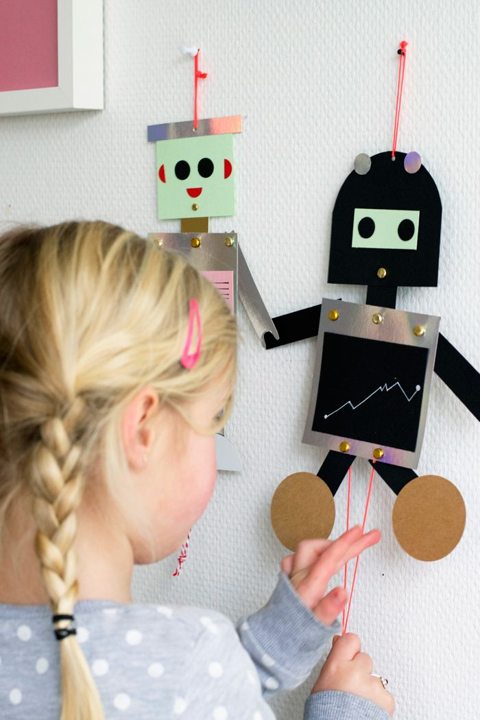 DIY robot puppets - such a darling project and they look so easy to make  @bloesemblogs