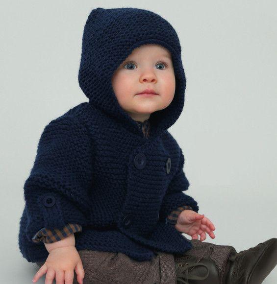Un petit effet looké... même emmitouflé ! Le paletot pour bébé de 0 à 18 mois est tricoté en laine partner 6, coloris MARINE, avec des boutons assortis pour plus d'effet. Avec sa capuche ce modèle assure à votre bébé un look sympa tout en le gardant bien au chaud ! Modèle tricot n°20 du catalogue 92 : Spécial qualité partner