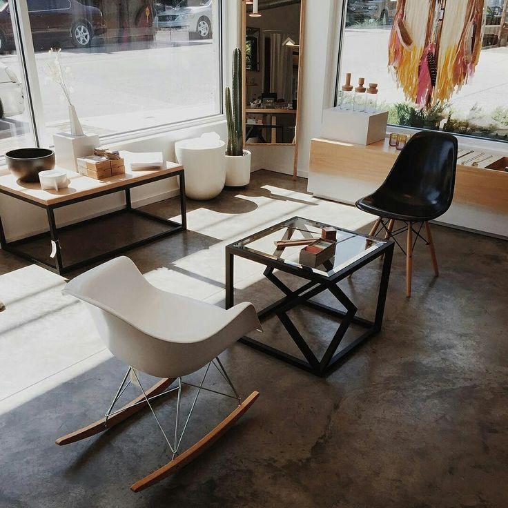 #Eames стиль великолепен.   Кресло-качалка и стул Прайз всегда в наличии интернет-магазина #Баро.