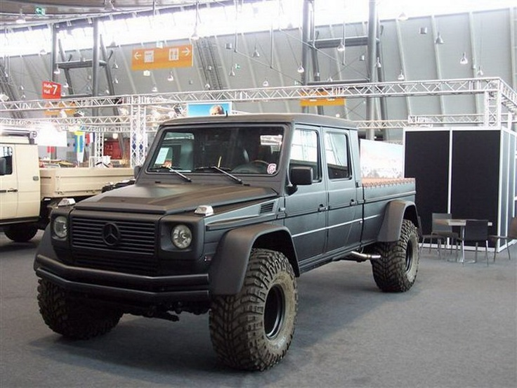 Oh my....Mercedes Benz G500 pickup