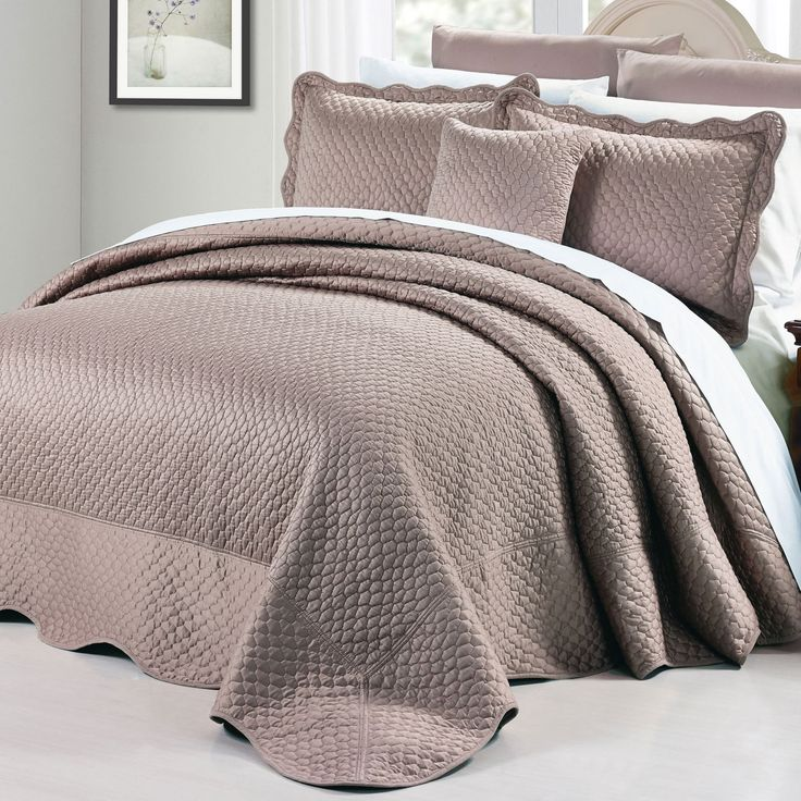 BNF Home Oversized Matte Satin 4-piece King Size Bedspread Set in