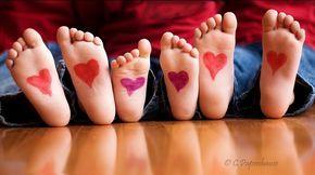 ffotos niños pies corazones Ideas para hacer fotos de niños en San Valentín