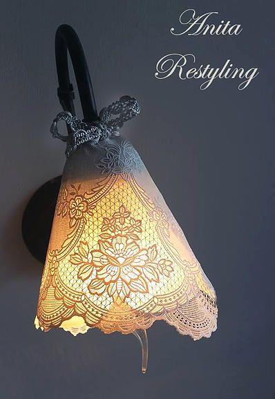 Lampada decorata con pizzo plastificato by Anita Restyling