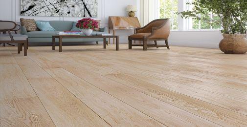 DĄB HARMONY - Szeroka, jednopasmowa deska dębowa dopełniona delikatną bielą. Wykończenie olejem naturalnym i szczotkowanie podkreśla strukturę drewna i nadaje jej efekt surowości i matowości. Dwustronne fazowanie optycznie wydłuża deskę i podkreśla jej naturalny wygląd.